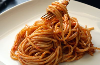 Bon appétit - Nourriture - Spaghettis - Tomate - Basilic - Italie - Photographie - Wallpaper - Free