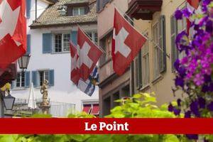 """La Suisse officialise la """"préférence nationale""""..."""