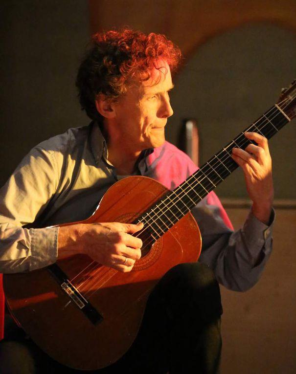 Bernhard v.d.Goltz (Gitarre und Arrangements) Studium der klassischen Gitarre in Würzburg, ist Musikschullehrer, den eine fast 40-jährige Zusammenarbeit mit dem Saxophonisten Rainer Schwander verbindet