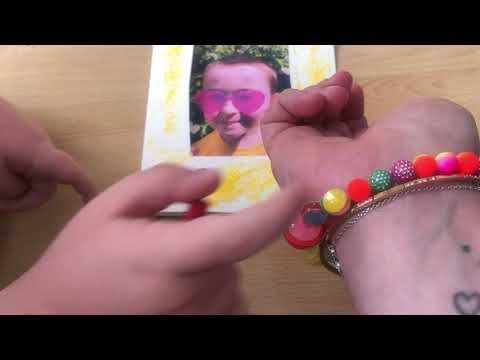 Un bracelet et une carte personnalisée pour mon cadeau de fête des mères