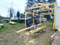 La construction de l'abri prend forme