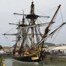 "VIDEO. La réplique de ""L'Hermione"" goûte enfin au grand large"