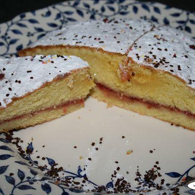 gâteau fourré à la framboise