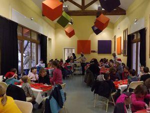 Barrême : Repas de Noël à la cantine scolaire !