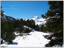 Pic d'Aneto 3404m, toit des Pyrénées.