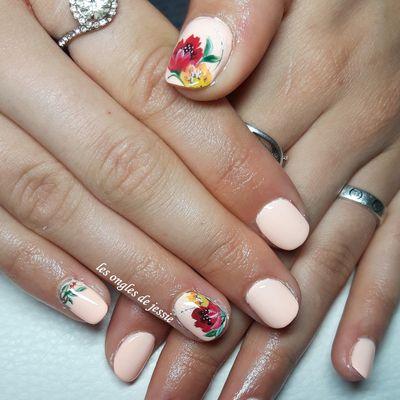 vernis saumon nailart fleurs russe
