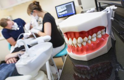 Red Flags To Watch For At The Dentist's Office