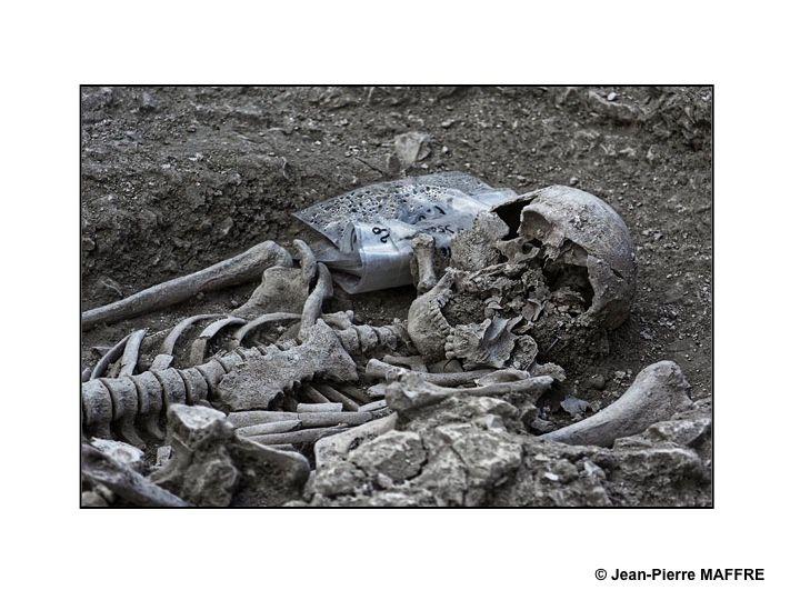 On n'est bien peu de choses. Pour s'en convaincre, il suffit de visiter le chantier des fouilles archéologiques de la Basilique Saint Remi lors des journées du patrimoine 2018.