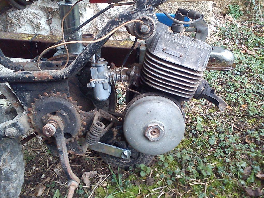 Motobécane EV50 M14 du 15/02/1980 Année : 1980 N° moteur :464..... N° cadre : 140....... Carburateur : Gurtner