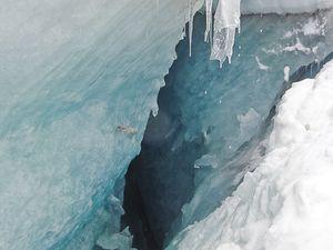 Exercice de secours en crevasses en redescendant: c'est au fond du trou qu'on voit le mieux le trou!