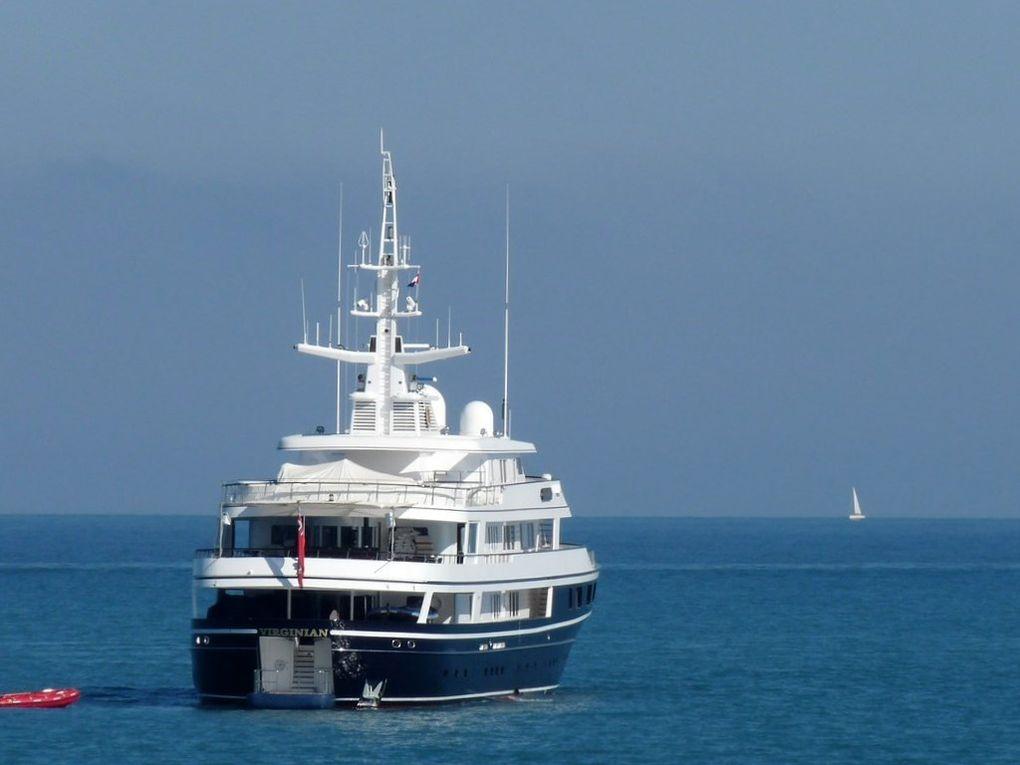 VIRGINIAN , Au mouillage devant le port d'Antibes