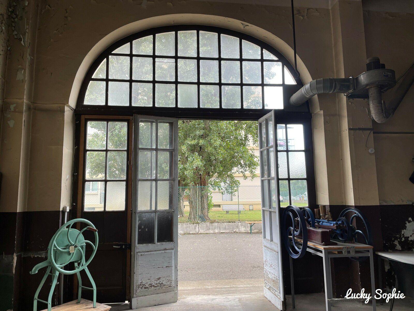 Visite de l'ancienne usine des eaux de Saint-Clair en famille