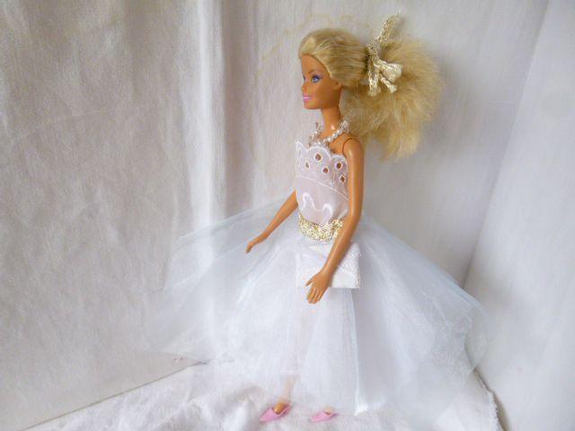Robe de cérémonie pour Barbie