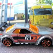 NISSAN SKYLINE HOT WHEELS 1/64. - car-collector.net: collection voitures miniatures