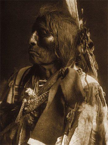 Il a été un des plus grands anthropologue social des Amérindiens d'Amérique du Nord1 — et l'Ouest américain — laissant trace d'écrits et de nombreuses photos sur verre.