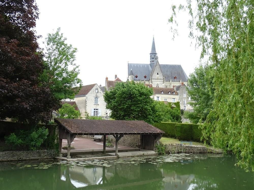 """""""Un des plus beaux village de France"""", posé sur les bords de l'Indrois"""