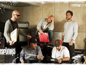 dafuniks, 5 musiciens danois où se mélangent phrasés hip-hop-soul et arrangements funky sur des mélodies pop-soul
