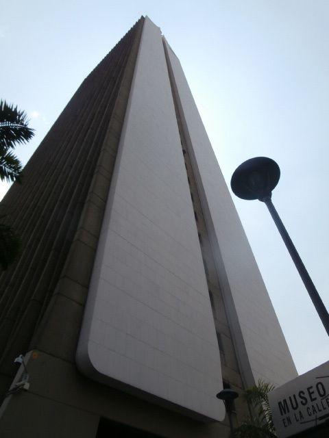 l aiguille, edifice de la compagnie Coltejer, le symbole du textile