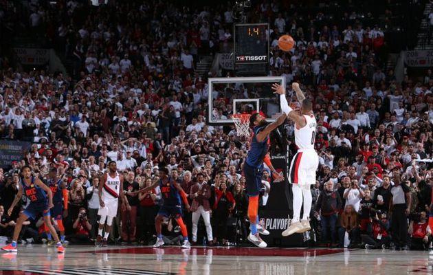 Damian Lillard envoie Westbrook et le Thunder en vacances sur un incroyable buzzer beater !