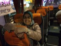 Trois membres et militants du HDP d'Üsküdar (rive asiatique d'Istanbul) : Aycan Kaya, 42 ans, mère de quatre enfants, était co-présidente de la section, où militait également Cemal Avşar (au centre); Aycan a été inhumée à Batman (Kurdistan, à l'est de Diyarbakır). A droite, Fatma Karabulut, 43 ans, était employée par la direction de la même section; elle a été inhumée en son village de Kırkışla, s/p de Cihanbeyli (département de Konya, centre Anatolie).