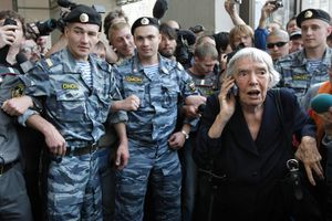 Lyudmila Alexeyeva, 'Grandmother' of Russia's Human Rights Movement, Dies at 91