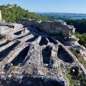 Abbaye de Saint-Roman | Une Abbaye troglodytique surplombant le Rhône à Beaucaire, Ville d'Art et d'histoire