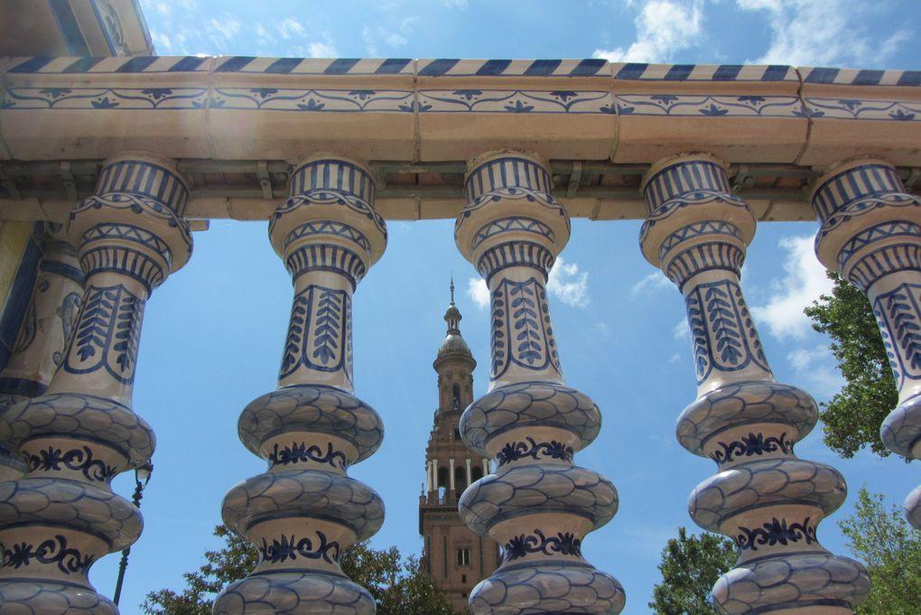 Séville  La Place d'Espagne et le Parc Maria Luisa