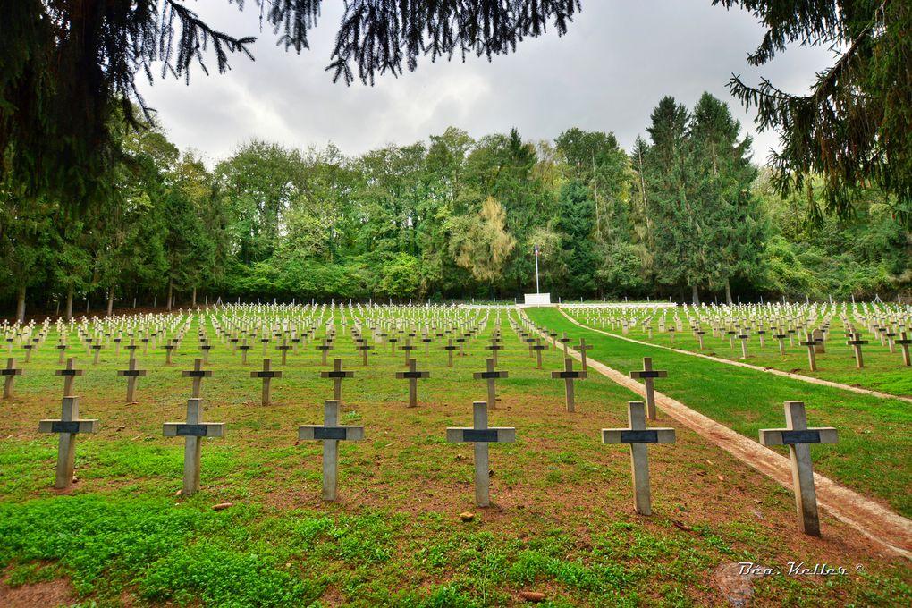 Vues générales du cimetière, cliquez sur les photos.