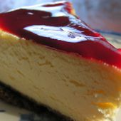 Cheesecake et son coulis de fruits rouges