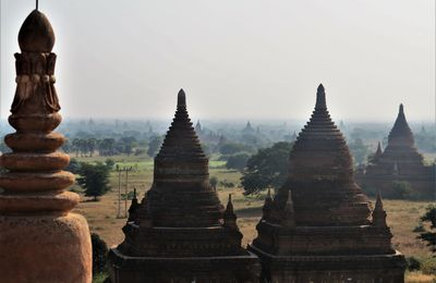Le site de Bagan en Birmanie ( 2 ).