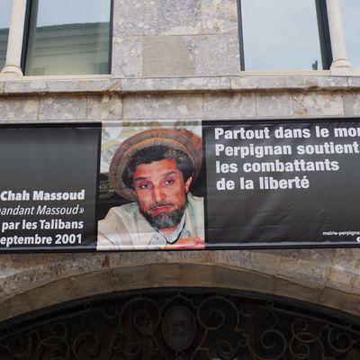 Perpignan: la ligue du lol affiche le portrait du commandant Massoud et affirme que partout dans le monde: elle soutient les combattants de la liberté! par Nicolas Caudeville