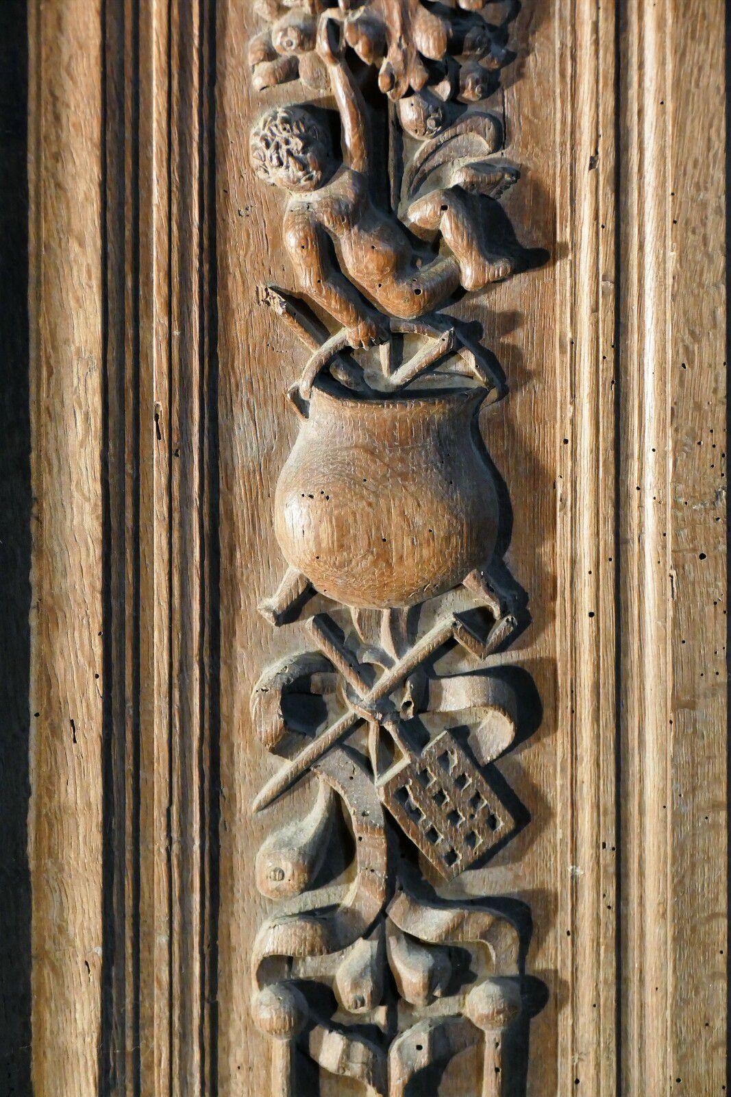 Clôture de chœur ( chêne, vers 1570) de la chapelle Saint-Herbot. Photographie lavieb-aile 4 août 2021.