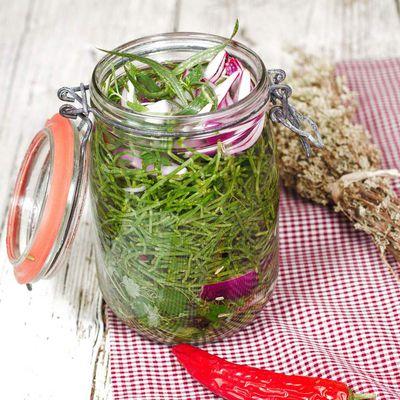 Conserve de salicornes aux aromates