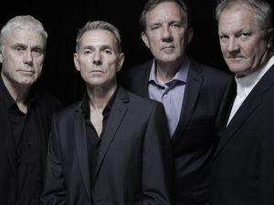 dr feelgood, un groupe de pub rock britannique articulé autour du chanteur et harmoniciste lee brilleaux (1952-1994)