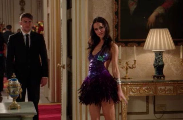 Critiques Séries : The Royals. Saison 1. Episode 3. We Are Pictures, or Mere Beasts.