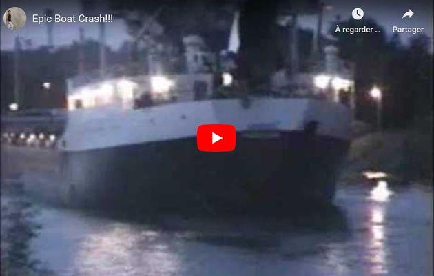 Vidéo - le pont mobile redescend trop vite sur un cargo