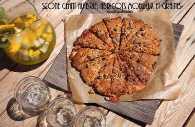 Scone géant au brie, abricots moelleux et graines