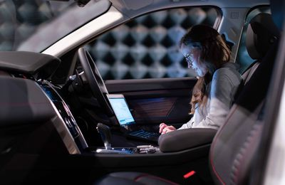 Understanding the Benefits of a Vehicle Fanless Computer System