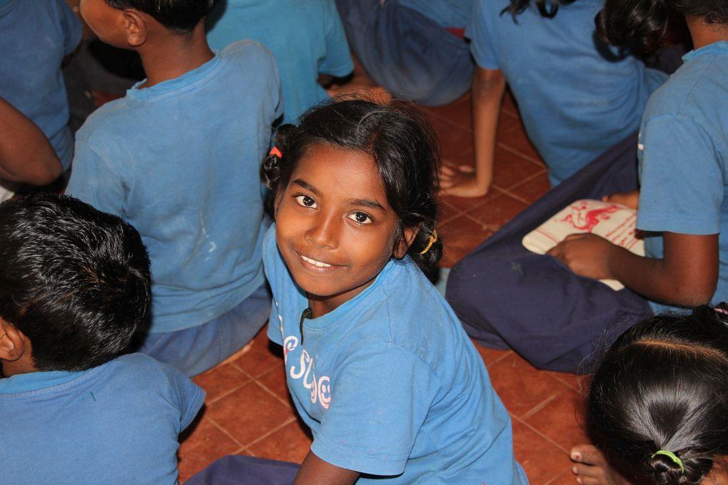 Les enfants d'Apres School près de Pondichéry (Tamil Nadu, Inde). Photos prises au cours de nos différentes visites à l'école depuis janvier 2011.
