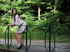 ARTIST Photographer : bY uGO  -  Model : LAULAU -  Mua/hAIR Florence  -  Stylism : ENZO CouTure