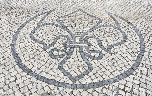 A CALCADA PORTUGUESA  (les trottoirs pavés portugais)