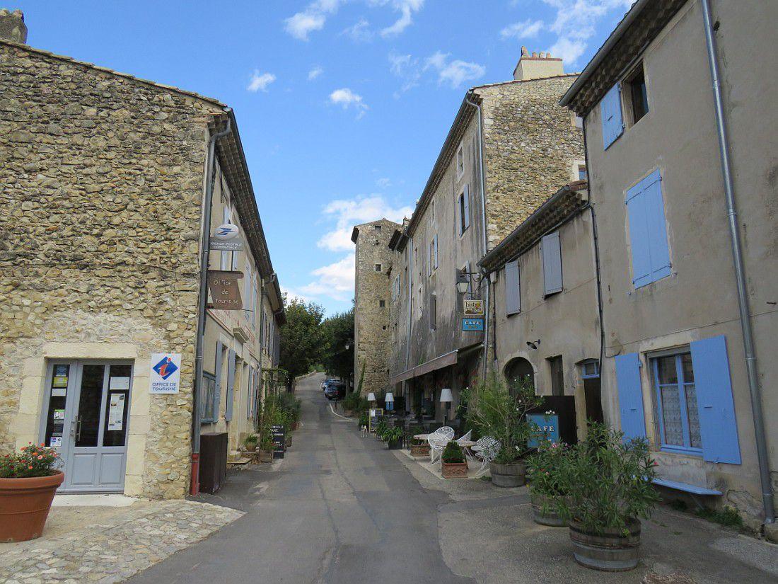 Village perché typique de la Drôme