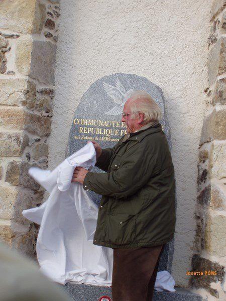 Inauguration de la stèle de Liers, novembre 2005