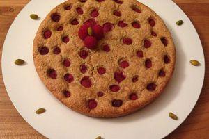 Gâteau moelleux pistache framboise