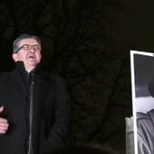 """Hommage à Fidel Castro : pour Michel Onfray, Jean-Luc Mélenchon """"a fumé la moquette"""""""
