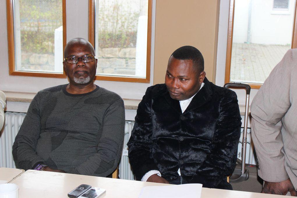 Entre os participantes, Tony Sofrimento, Ângelo Mbengi e velho Jean Nanzenze