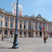 Toulouse - Le Capitole - LANKAART