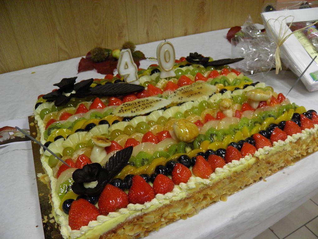 La petite cérémonie d'anniversaire en l'honneur d'André pour les 40 ans des journées mycologiques.