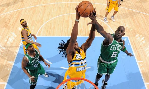 Les Nuggets s'imposent contre les Celtics à Denver