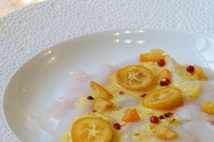 Carpaccio de saint jacques à la vinaigrette de kumquats